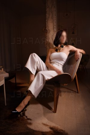 Christa erotic massage in Portland