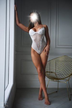 Priscille erotic massage