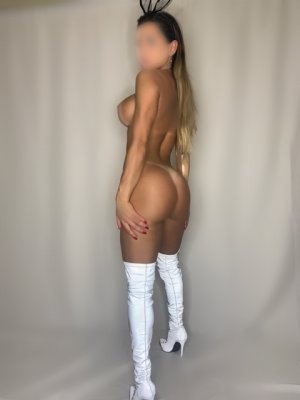 Rose-blanche nuru massage in Bonita California